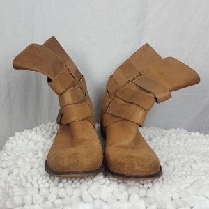 Gianni Bini Calf Boots Tan SZ 7
